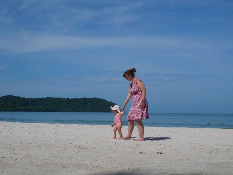 N en Babs op het strand